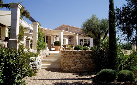Elegance en Provence Sleeps: 4 Beds: 2 Baths: 2