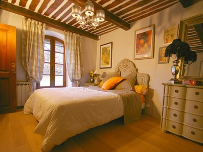 Les Reves de Provence Sleeps: 14 Beds: 5 Baths: 5
