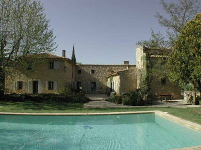 Domaine des Puits Sleeps: 16 Beds: 8 Baths: 7