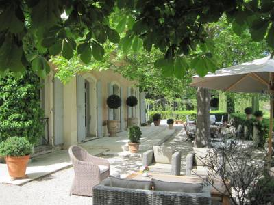 Bastide Des Jardins Sleeps: 10 Beds: 5 Baths: 5