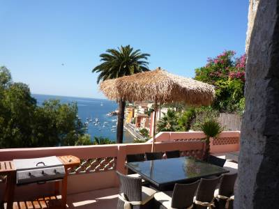 Villa Venus Sleeps: 9 Beds: 4 Baths: 4
