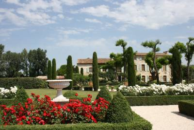 Bastide de L'ilon Sleeps: 6-8 Beds: 6 Baths: 6