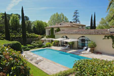 Vacation Rentals at Bastide Noble