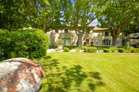 Vacation Rentals at Mas de Caumont