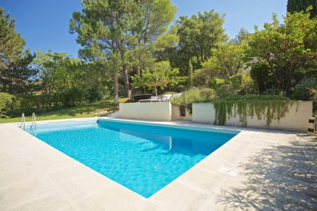 Vacation Rentals at Le Mas de la Pinede