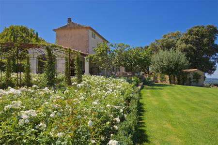 Vacation Rentals at Mas du Belvedere